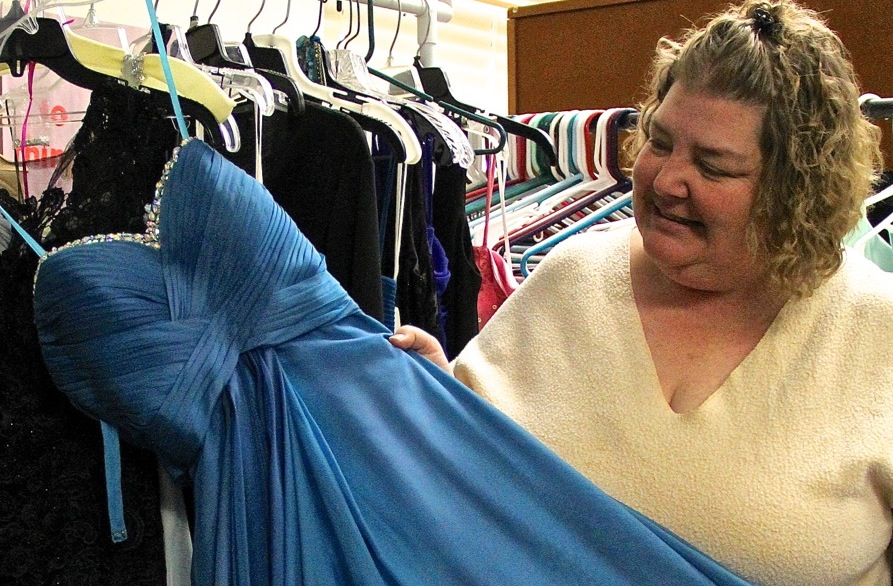 Newark HS room transformed into home for new, gently used prom dresses for students